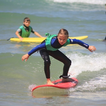 messanges surf school cours de surf enfant